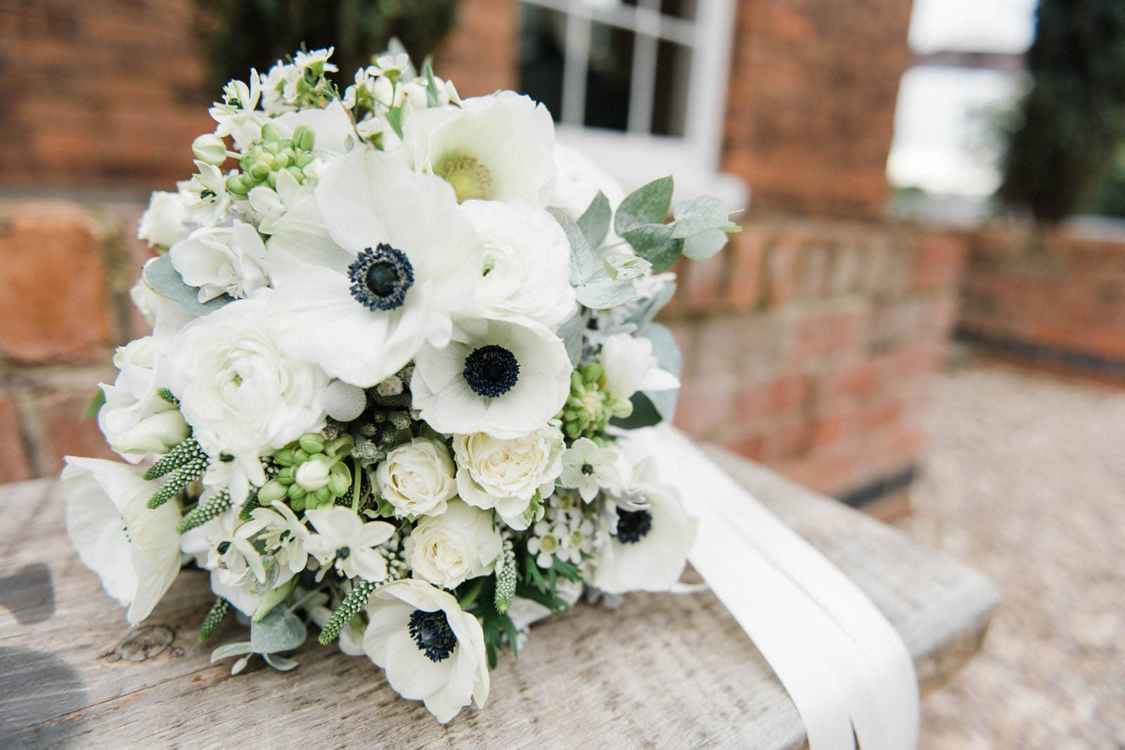 Nottingham wedding photography - Old Vicarage Boutique wedding photographers - Mrs Umbels wedding bouquet