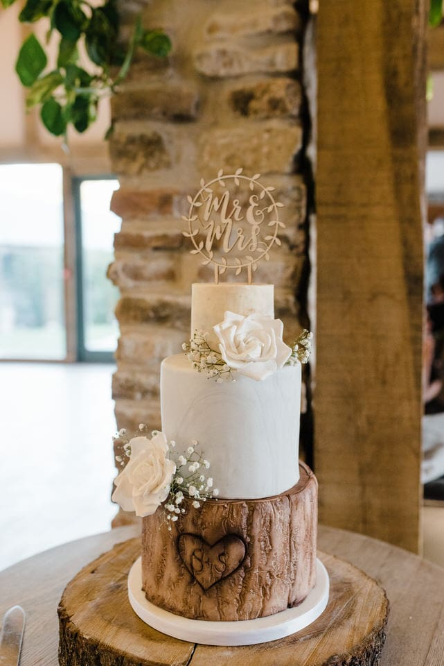 Wedding cake at Hazel Gap Barn wedding